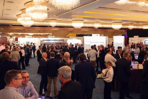 300 Fachleute nutzten 2018 das Construction Equipment Forum, um sich über KI und die Baumaschinen der Zukunft auszutauschen.