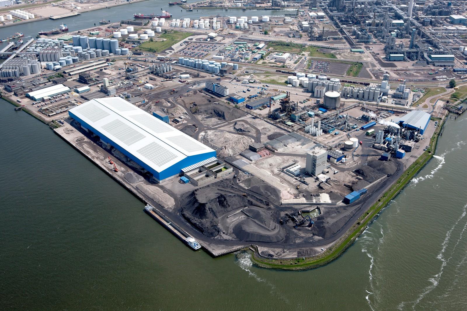 Wird um eine weitere Anlage erweitert: die Teeraufbereitung im Rotterdamer Hafen