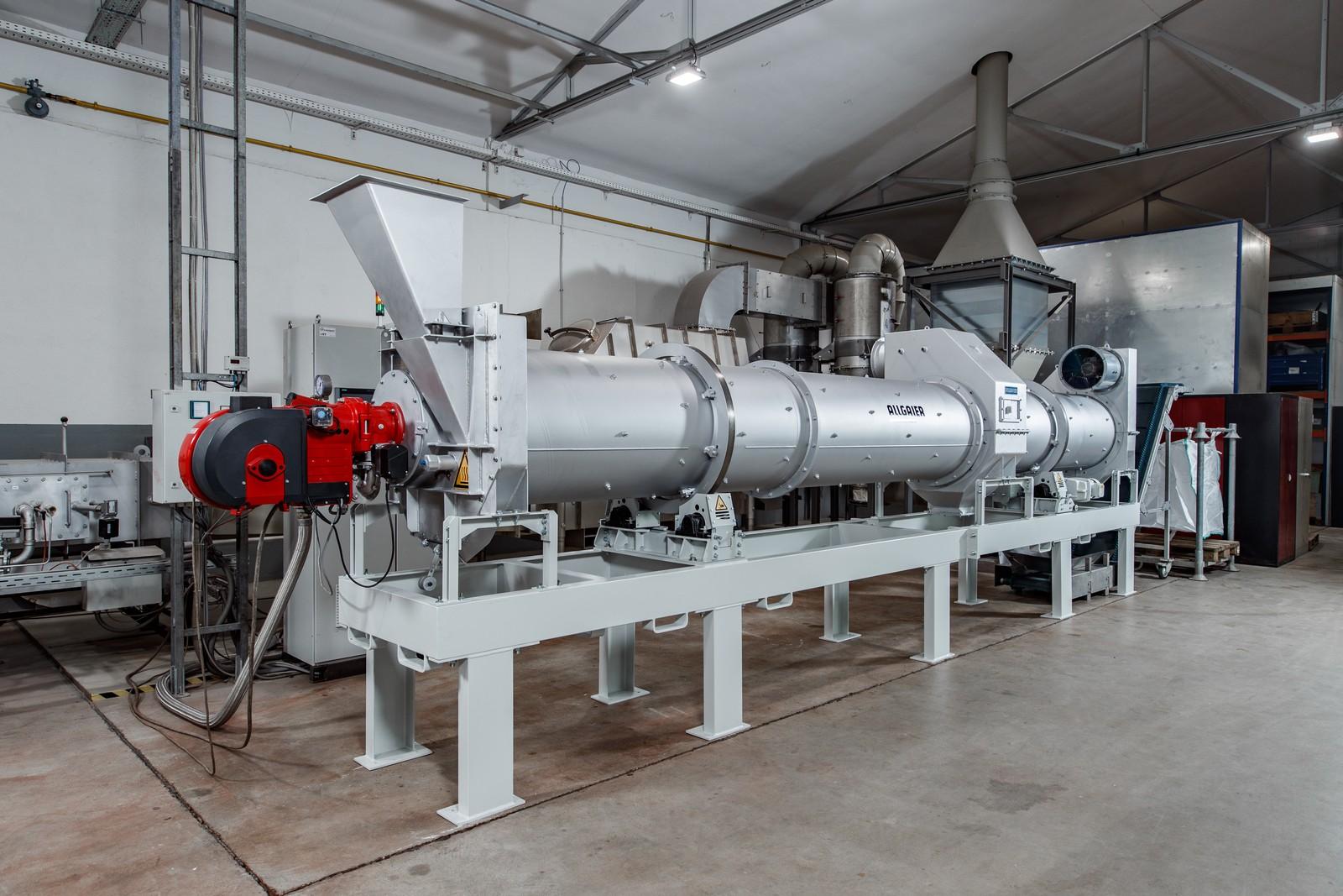 Der neue Trommeltrockner/-kühler TK-D als Versuchsanlage im Allgaier Technikum.