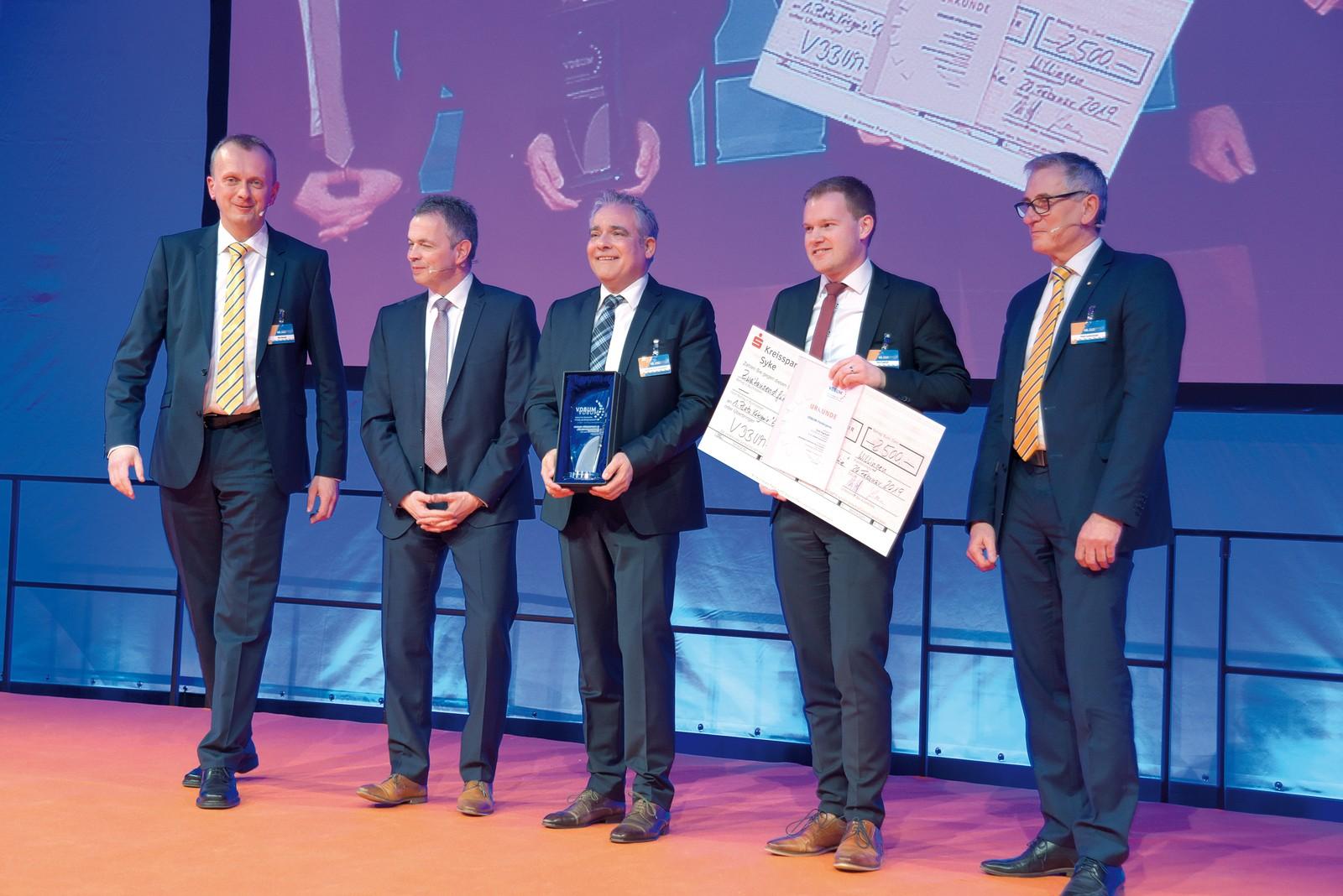 """Bergmann Maschinenbau wurde in der Kategorie """"Entwicklungen aus der Industrie"""" mit dem VDBUM-Förderpreis ausgezeichnet."""