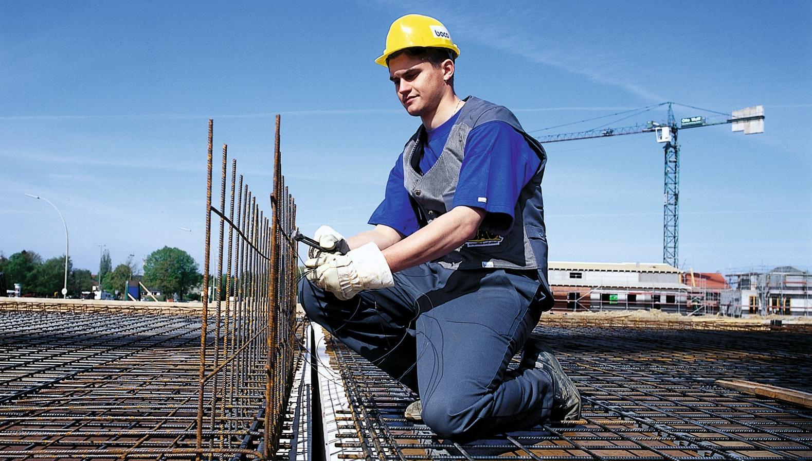 Bauberufe sind für junge Leute zunehmend attraktiv.