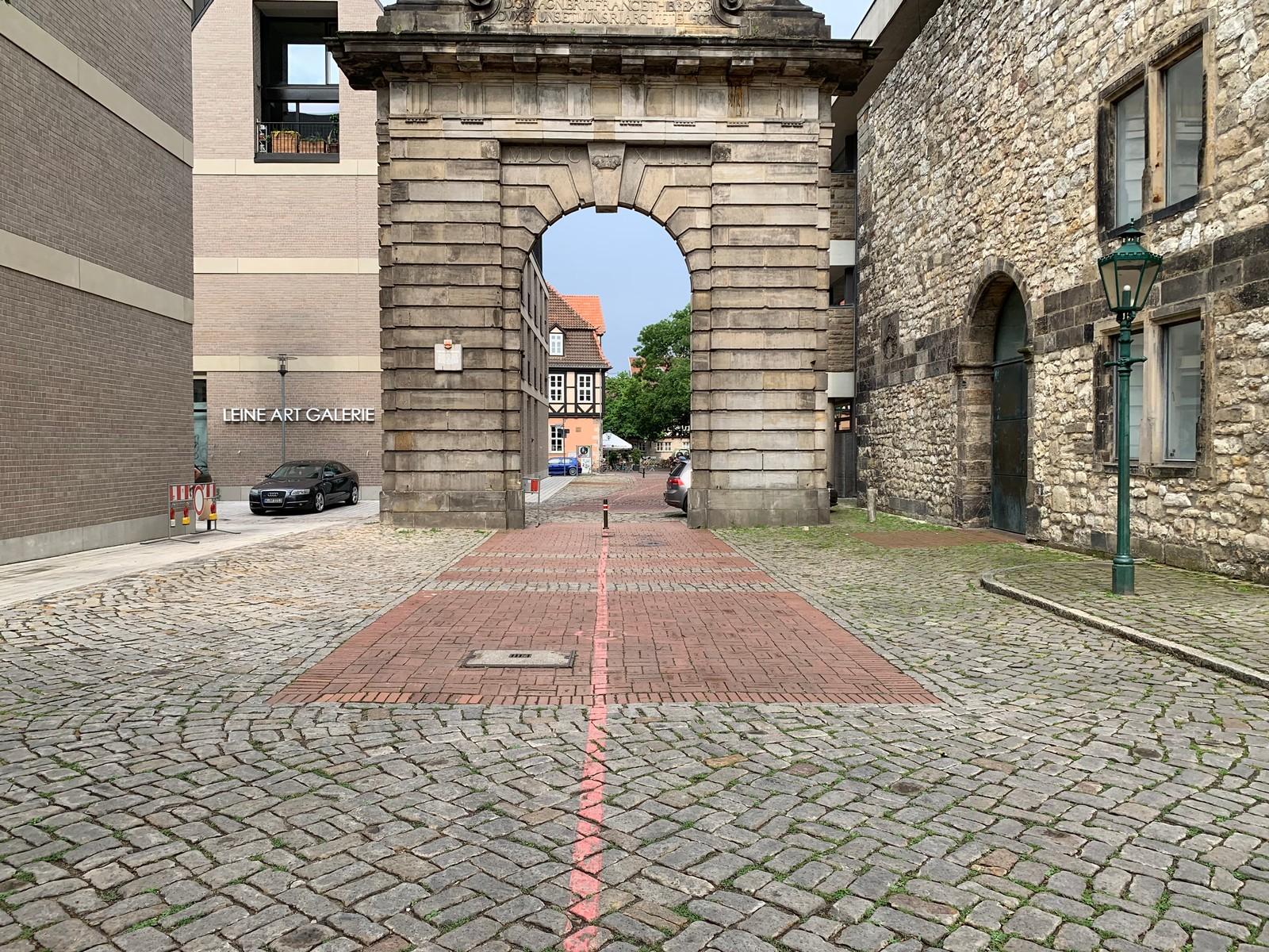 Die Asphaltbauweise steht neben dem Pflasterbau im Mittelpunkt des Sachverständigenseminars.