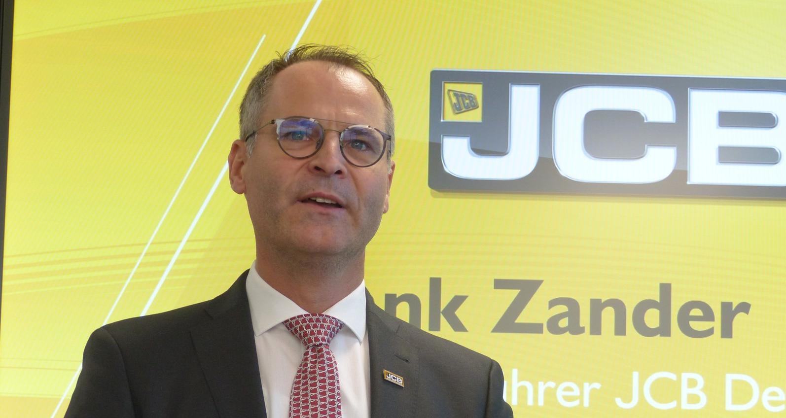 Geschäftsführer Frank Zander erläutert die Perspektiven von JCB Deutschland.