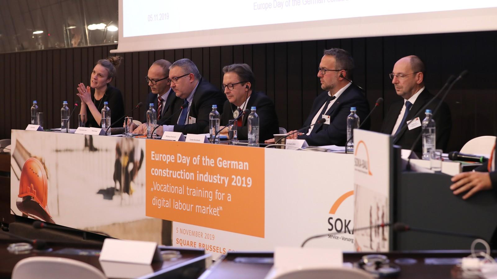 Teilnehmer der Podiumsdiskussion, v.l.n.r. Terry Reintke, MEP, Dr. Pauli Antero Forma, Roman Horvath, Wolfgang Husemann, Carsten Burckhardt, Heribert Jöris.